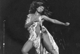 Tina-Turner_Proud-Mary